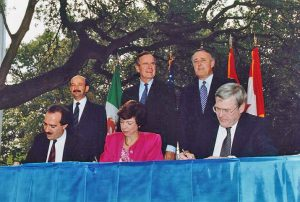 "George H.W. Bush at NAFTA ""initialing"" ceremony in October 1992. Source"
